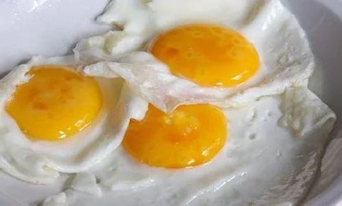 Jajka sadzone bez oleju