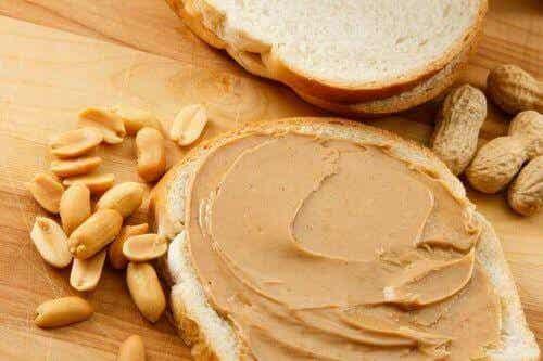 Masło orzechowe: dlaczego sportowcy powinni je jeść?