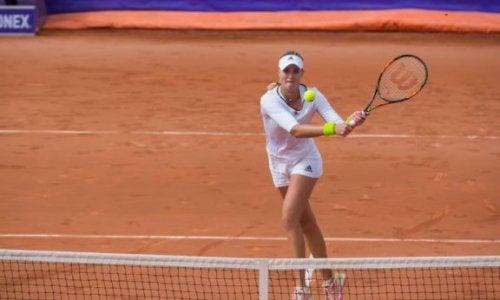 Jak wykonać perfekcyjne uderzenie z woleja w tenisie