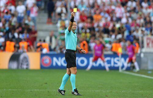 Nowe zasady gry w piłkę nożną: co zmieniono?