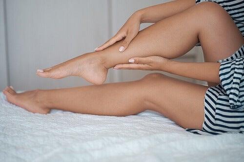 Spuchnięte nogi: przyczyny oraz leczenie