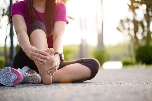 Jak uniknąć skurczy podczas ćwiczeń?