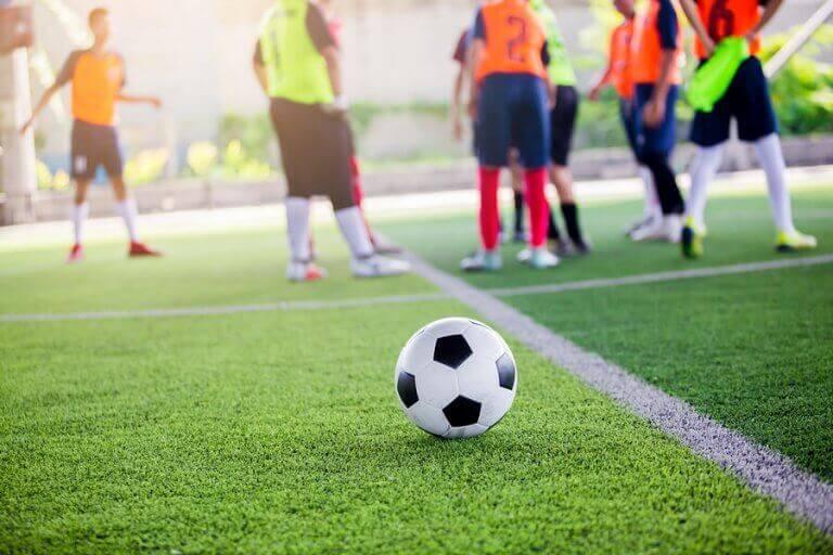 Mecz piłki nożnej - przepisy dotyczące federacji sportowych