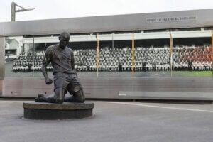 Thierry Henry posąg