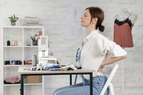 Ćwiczenia ruchowe stawów na ból pleców