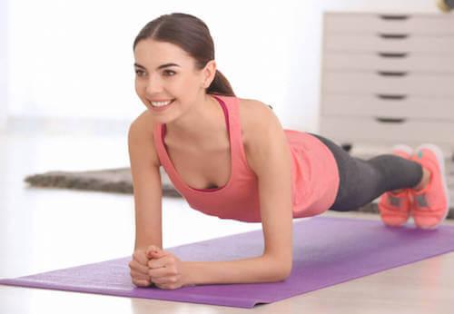 Wiotki brzuch - przyczyny i porady, jak się go pozbyć