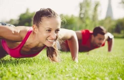Ćwiczenia fizyczne: klucz do szczęśliwego życia