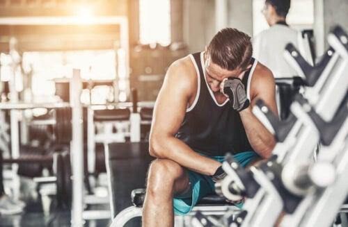 Nadmiar ćwiczeń: jak rozpoznać przetrenowanie?