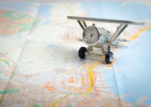 Ćwiczenia na jet lag, czyli zespół nagłej zmiany strefy czasowej