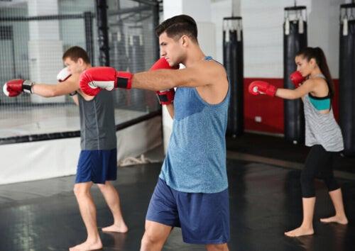 Body Combat – ile kalorii spala się podczas jednej sesji?