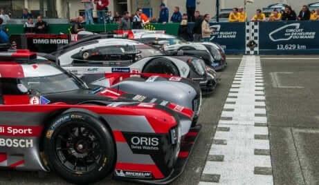 samochody na linii startu podczas Le Mans