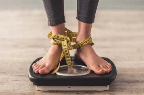 Dlaczego tak trudno schudnąć po kryzysie diety