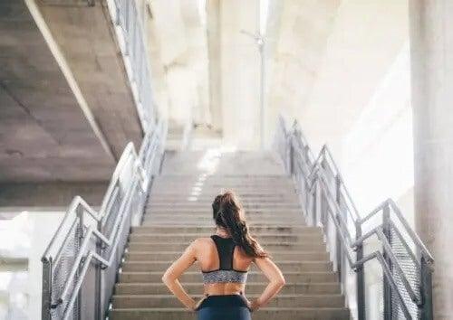 15-minutowe wyzwanie z wchodzenia po schodach