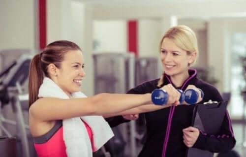 Cechy dobrego trenera: skupienie, przywództwo i komunikacja