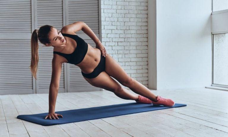 Os três melhores exercícios para trabalhar o core para iniciantes