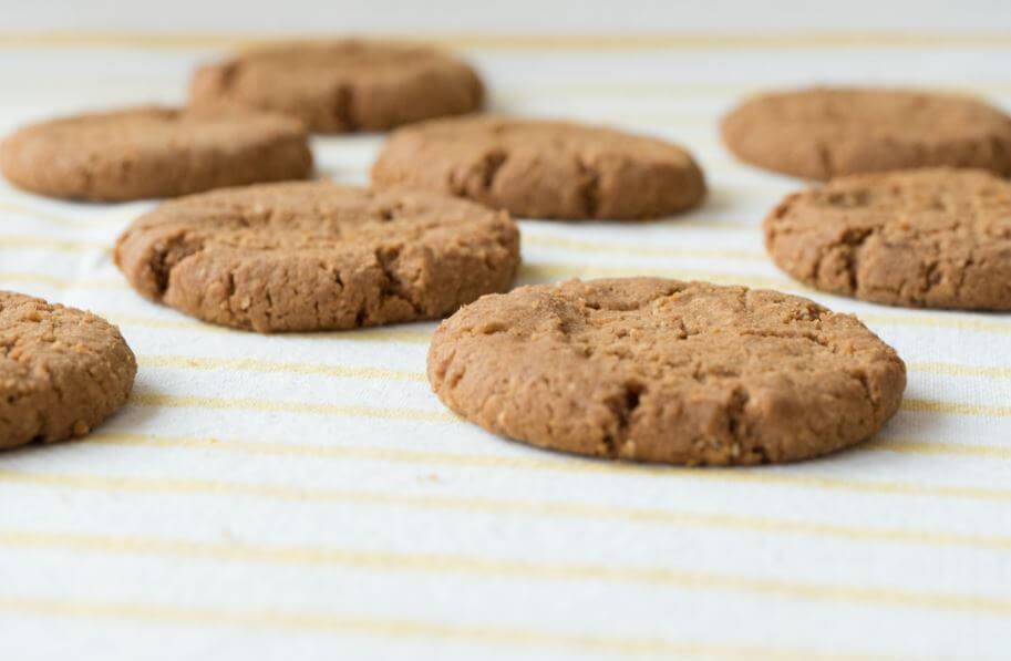 Biscoitos sequinhos assados