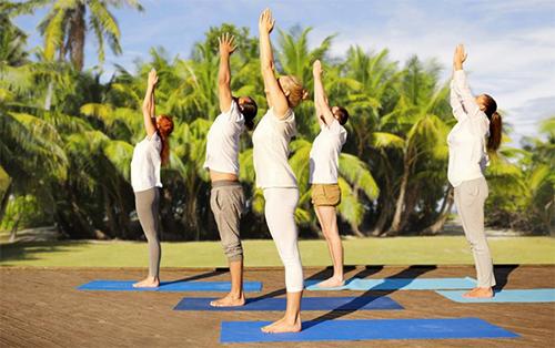 Posturas simples para começar a fazer Yoga