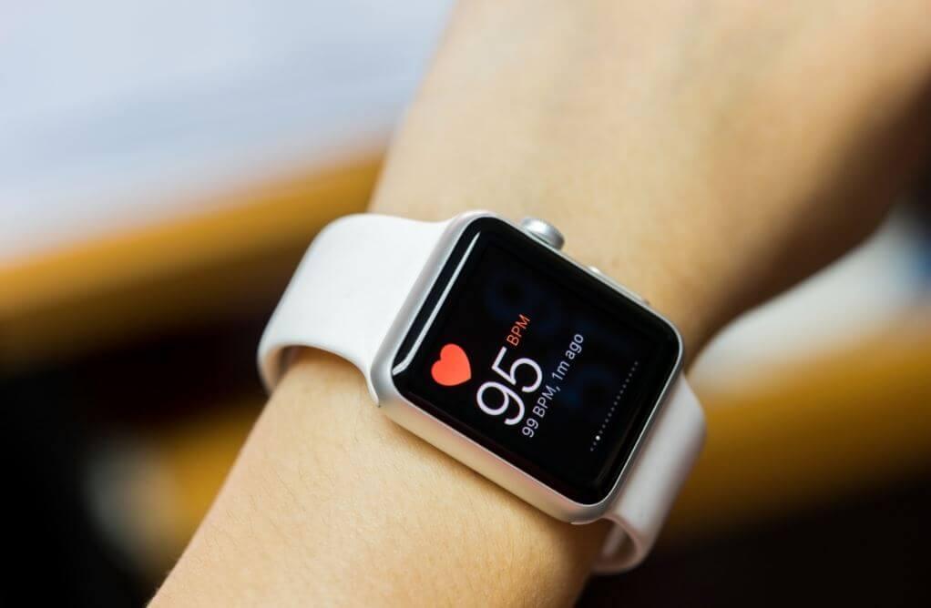 relógio que controla a frequência cardíaca