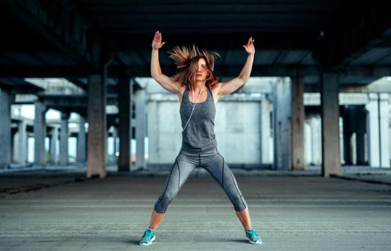 Um treino HIIT para definir os músculos do seu corpo