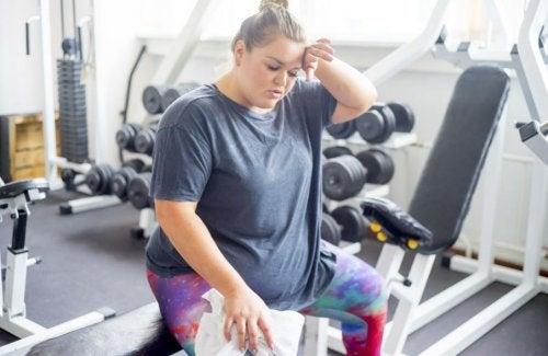 Exercícios para queimar gordura na academia