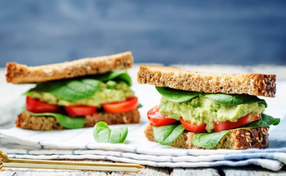 Sanduíche com abacate: benefícios e combinações
