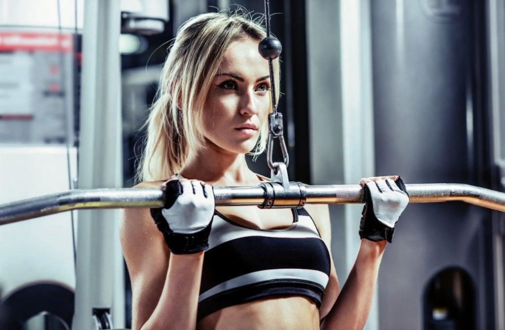 Mais peso ou mais repetição? O que é mais efetivo na musculação?