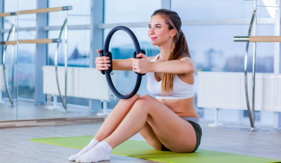 Aprenda a usar corretamente o anel de pilates ou magic circle