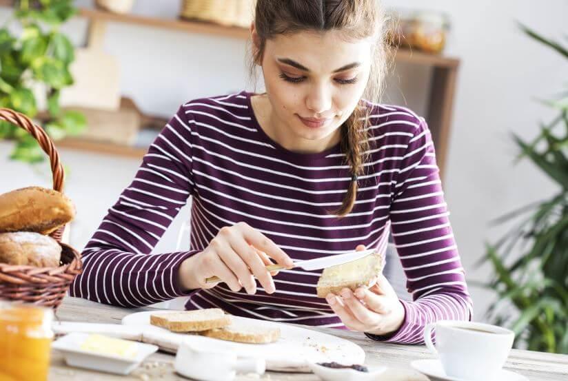 Lanches de proteína para beliscar entre as refeições