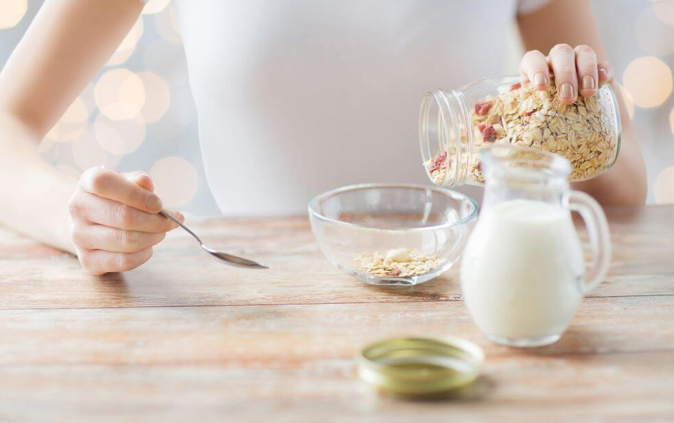 Tudo o que você precisa saber sobre o leite de aveia