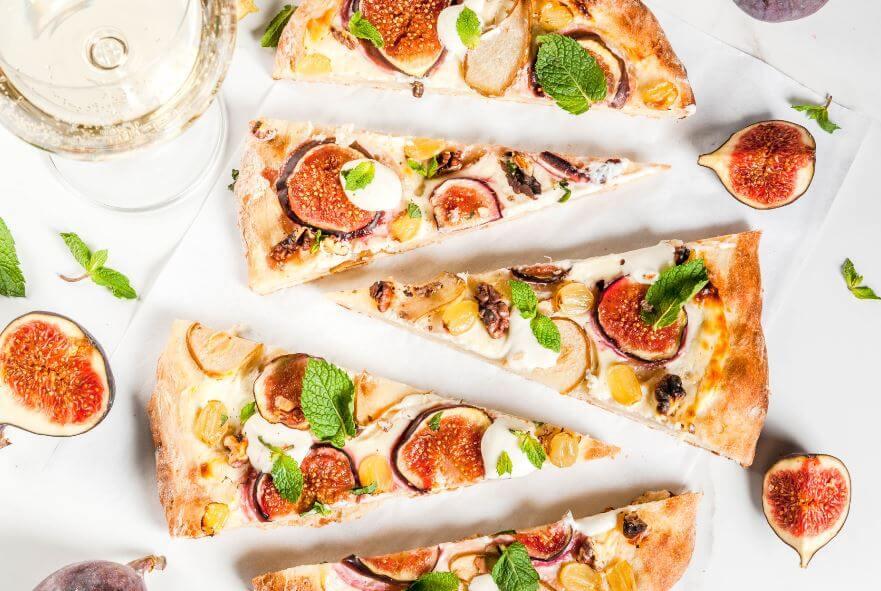Pizza doce: pratos doces com frutas e verduras