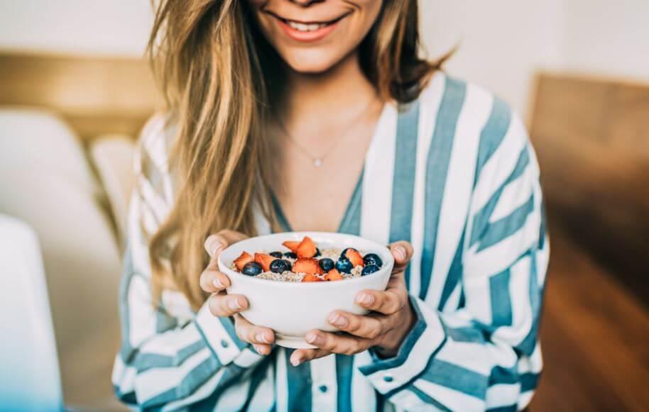 3 receitas de sobremesas saudáveis com frutas