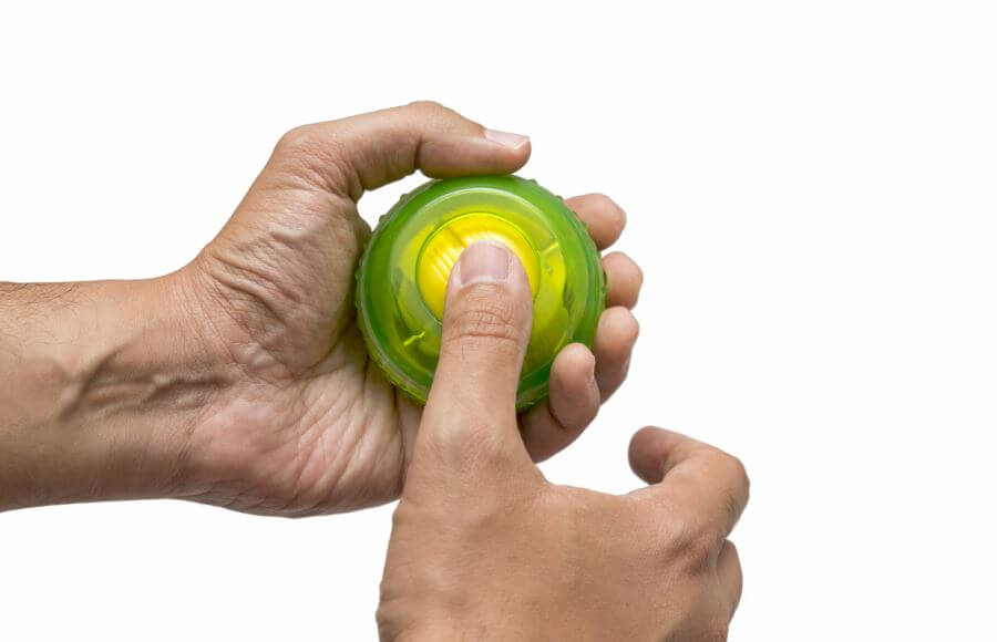 As mãos de uma pessoa segundo uma Power Ball