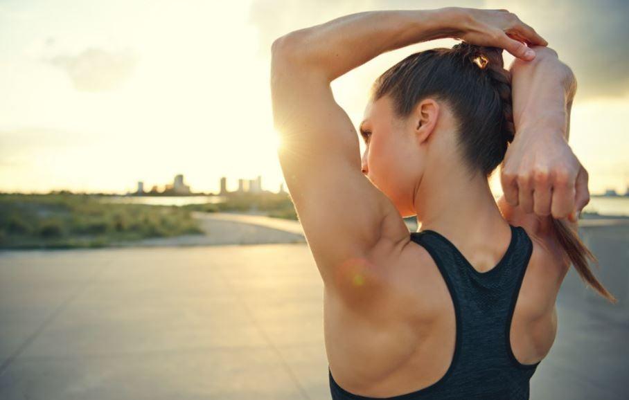 Fortes e definidos: o segredo dos braços tonificados