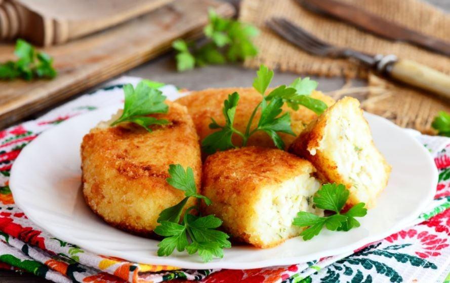 Bolinhos de couve-flor fritos