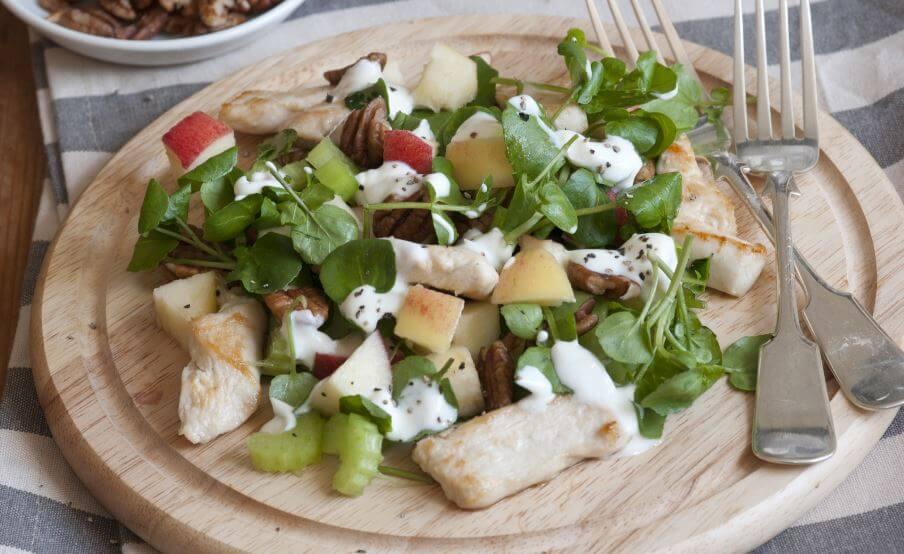 Um prato de salada
