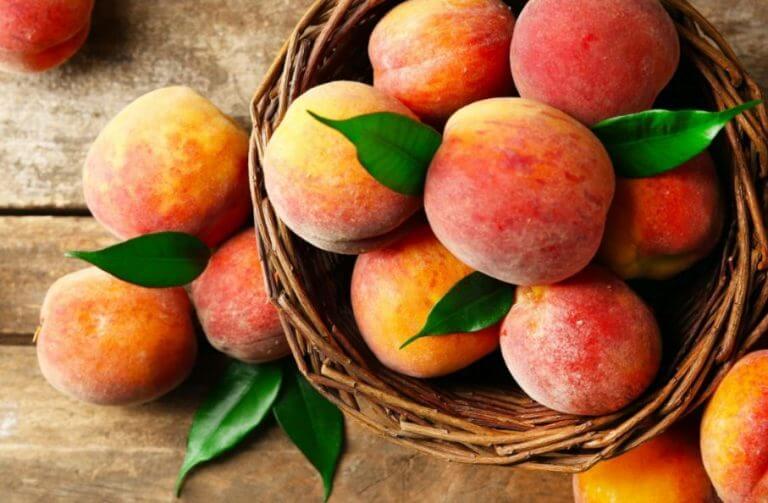 O pêssego é outra fruta clássica do verão
