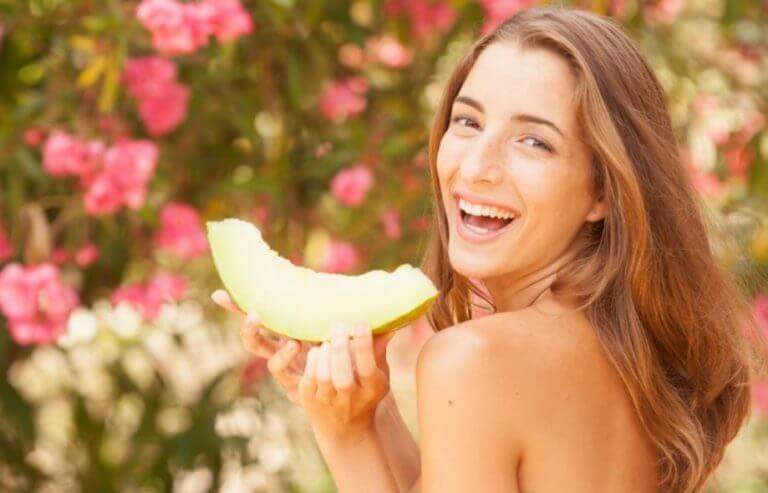O melão tem baixo teor de calorias e açúcar