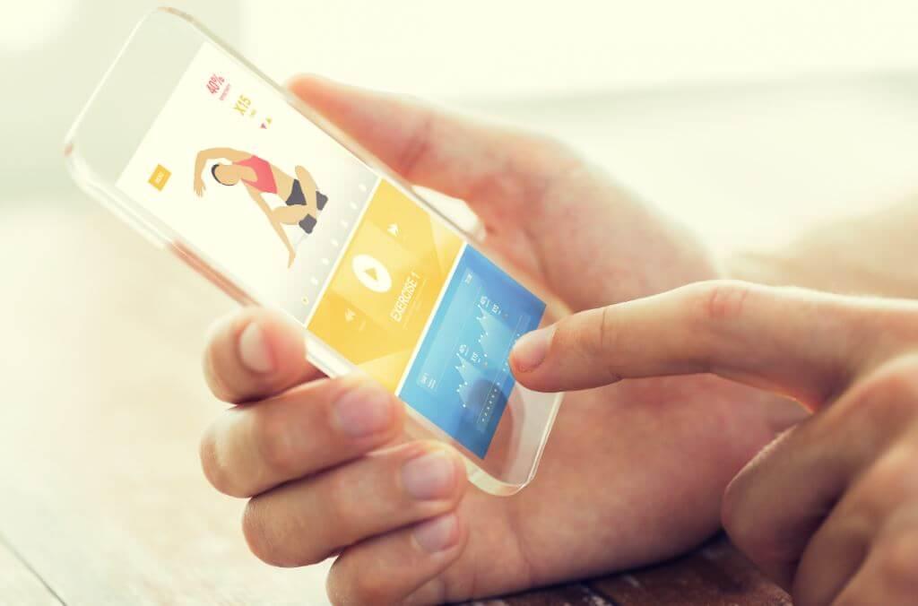 Celular com aplicativo fitness