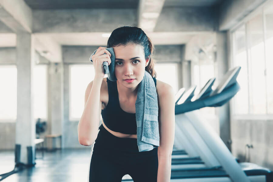 É verdade que suar ajuda a perder peso?