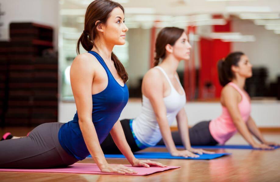 Existem riscos na prática do yoga