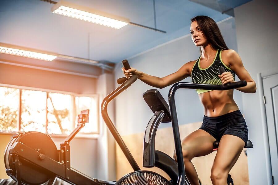O que é mais importante: cardio ou treino de força?