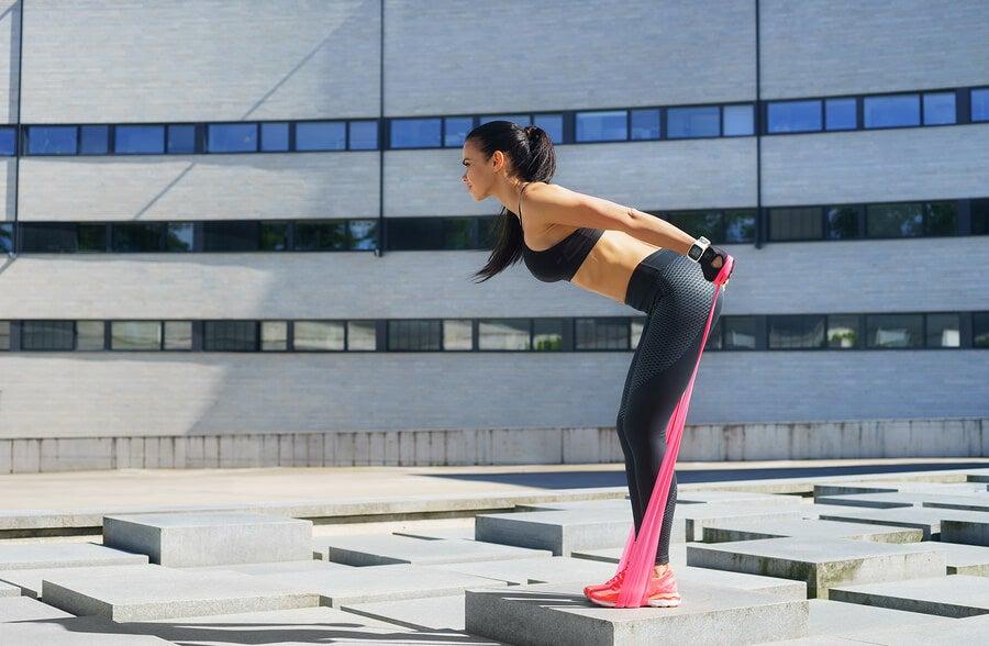 fortalecimento e exercícios com faixas elásticas