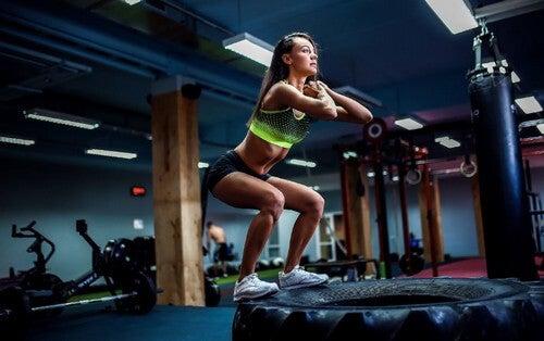 Quando se pratica o CrossFit, é importante levar uma alimentação de acordo com essa disciplina tão exigente