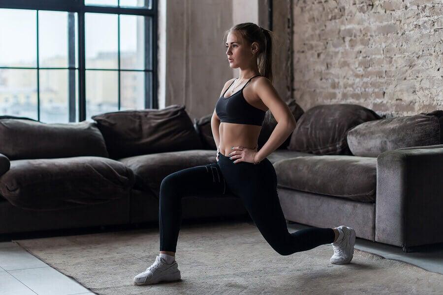 Afundos: variações para trabalhar glúteos e pernas