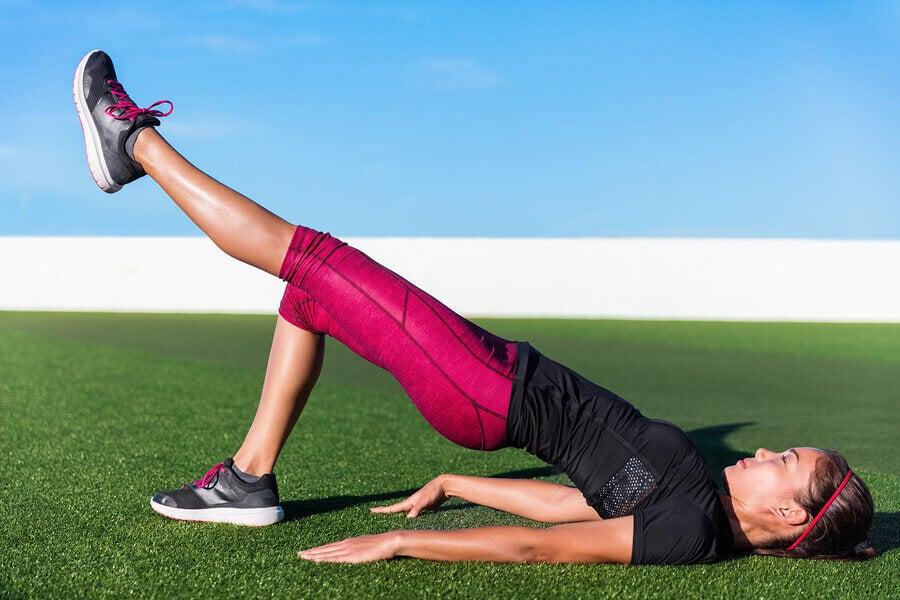 5 exercícios com o peso corporal para mulheres