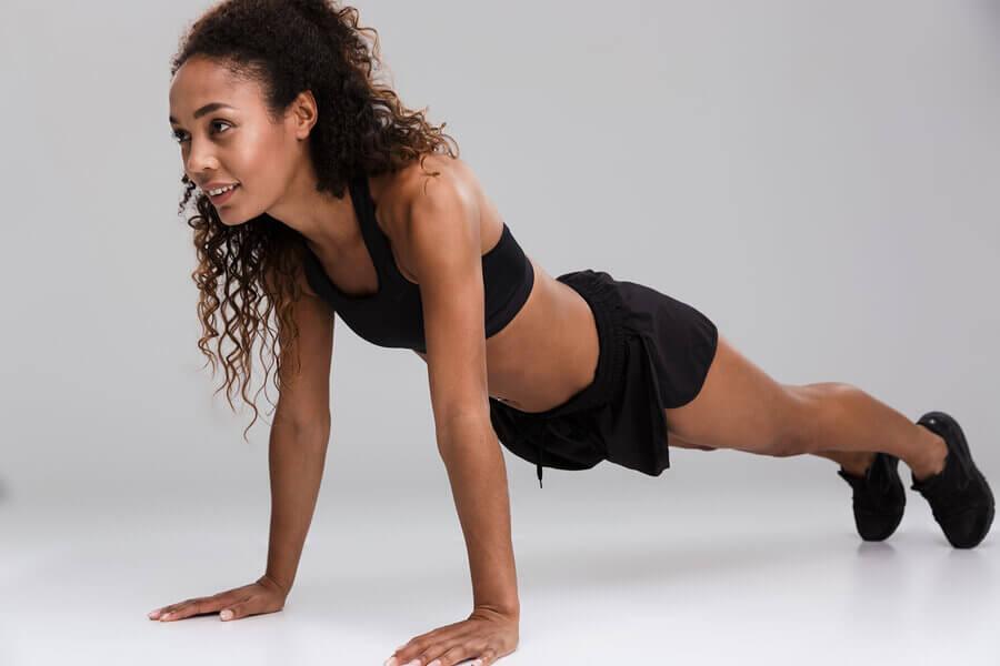 5 variações de movimentos para que suas costas fiquem mais fortes