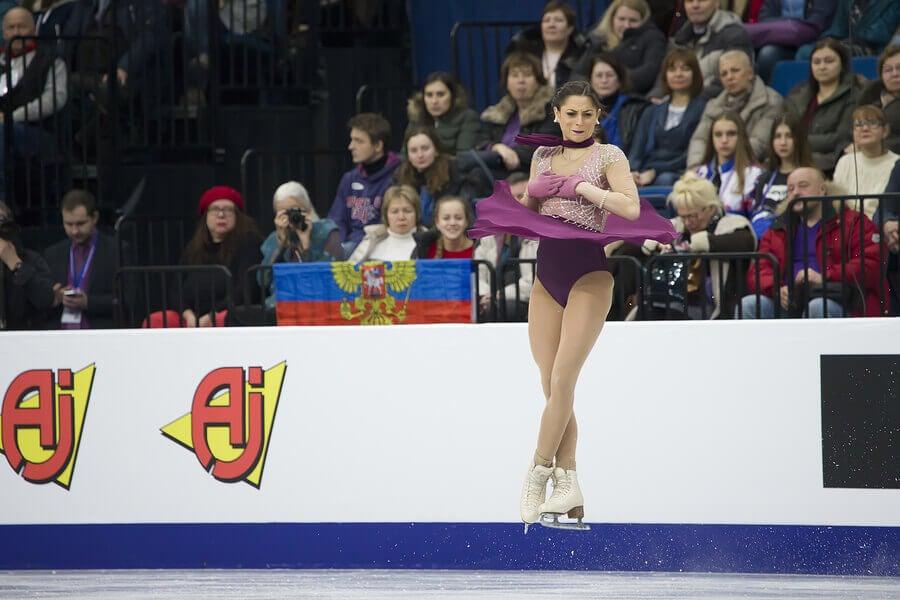 Movimento da patinação artística no gelo.