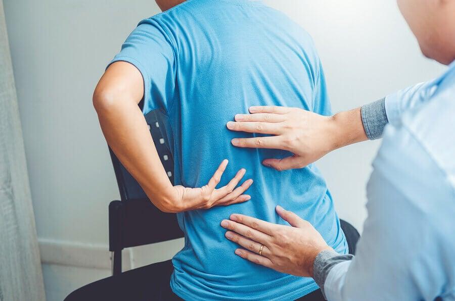 Como você deve treinar se tiver algum problema nas costas