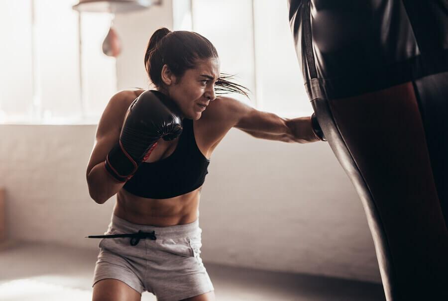 Os benefícios de praticar um esporte de contato
