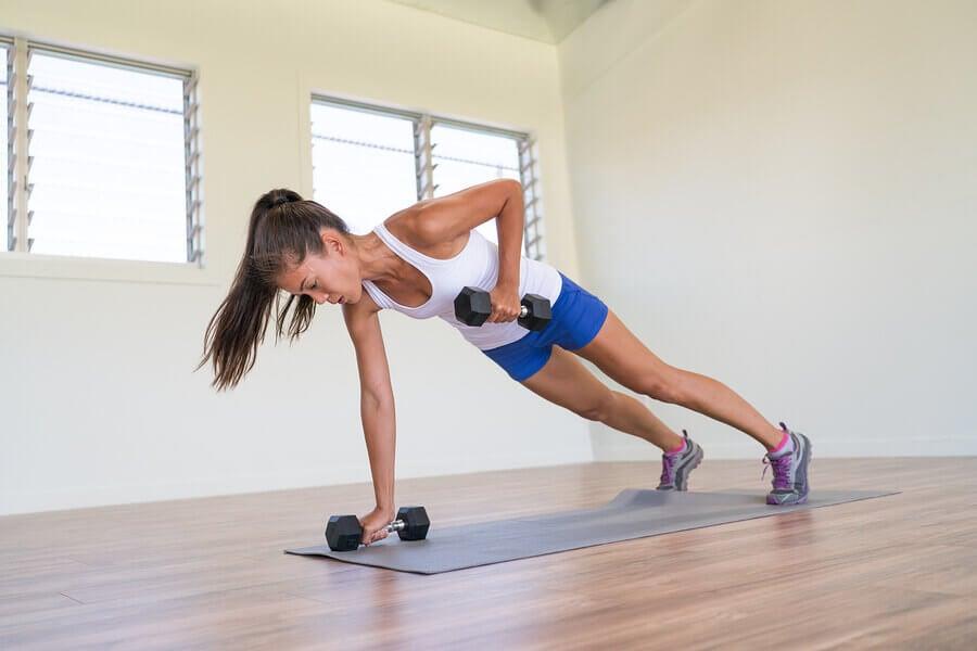Exercícios para as costas que você deve incluir no seu treino